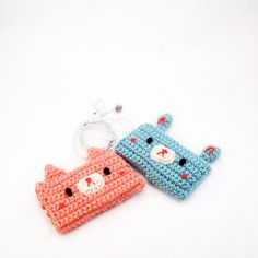 Crochet a ipod case.  Wonder if Aunt Alaina could help Bailie do the pig one???  :)