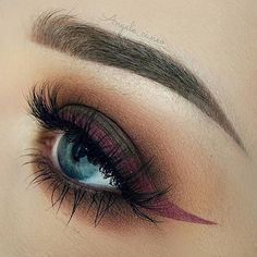 Did you catch our winged eyeliner tutorial? You can mix things up and go for this gorgeous burgundy liner! Such a gorgeous look by @angela_cuneo!