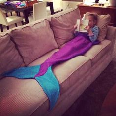 This fun, warm and whimsical mermaid tail blanket is made from soft, machine washable fleece. It pulls over feet and up to chest. This is so freakin cute! Do It Yourself Inspiration, Diy Inspiration, Sewing Crafts, Sewing Projects, Learn To Sew, How To Make, Ideias Diy, All I Ever Wanted, Cutest Thing Ever
