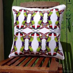 Hummingbird Folie✨ Indoor or Outdoor Spaces!! Only Available Size 50x50cm! #greentropicdesigns#hummingbird#pattern#pillow#designs#art#style#homedecor#homeaccents#interiordesign#indoor#outdoor#home#decor#bird#tropics#corinnestieglerdesigns
