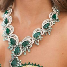 Diamond Necklaces : Chopard with fashion designer huang guopei India Jewelry, Gems Jewelry, High Jewelry, Luxury Jewelry, Jewelry Art, Jewelery, Vintage Jewelry, Jewelry Design, Women Jewelry