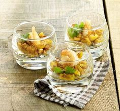 Scampi met kerrie-appeltjes - Colruyt Culinair ! Scampi Curry, Knafe Recipe, Party Food Catering, Lean Cuisine, Xmas Food, Snacks Für Party, Appetisers, Healthy Slow Cooker, Easy Healthy Recipes