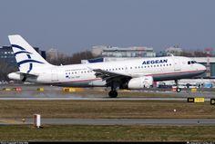 Στην Αθήνα επέστρεψε γύρω στις 9.50 το πρωί, λόγω ένδειξης βλάβης, το αεροπλάνο της Aegean, στο οποίο επέβαιναν οι υπουργοί Οικονομικών και Εργασίας,