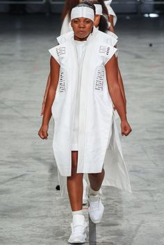 See the complete Rick Owens Spring 2014 Ready-to-Wear collection.