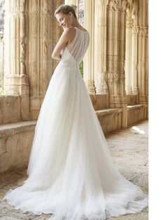 #abito da #sposa by Raimon Bundó 2015 http://www.matrimonio.it/collezioni/abiti_da_sposa/