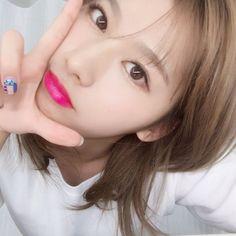 Minatozaki Sana (湊崎 紗夏) also known mononymously as Sana (사나) of TWICE (트와이스). Kpop Girl Groups, Korean Girl Groups, Kpop Girls, Nayeon, K Pop, Sana Cute, Selca, Sana Momo, Sana Minatozaki