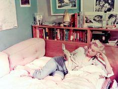 Marilyn Monroe leyendo  6 motivos (científicos) por los que es bueno leer