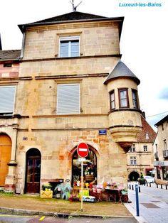 Luxeuil-les-Bains: Casa conosciuta come il Farmacista ( © Jean Espirat ) - France-Voyage.com