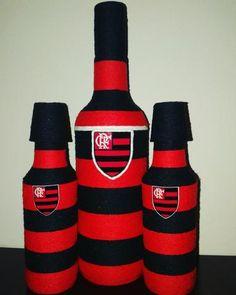 Garrafas decoradas com barbante nas cores do seu time do coração. Zap 62 999285163