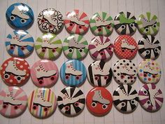 24 Roller Skate Skating Girl Boy Goody Gift Party Favor Pin-back Treat Set