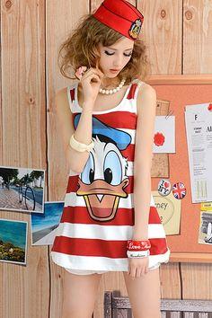 Donald Duck Print Sleeveless T-shirt OASAP.com