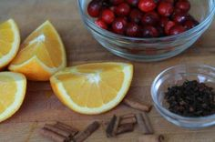 DIY: Bring the spirit of the holidays into your home with this recipe!  #DIYproject #holidaycheer #simmeringpotpourri