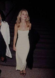 Kate Moss in a Calvin Klein dress 1995.