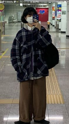 Edgy Outfits, Cute Casual Outfits, Pretty Outfits, Fashion Outfits, Tomboy Fashion, Asian Fashion, Streetwear Fashion, Korean Outfit Street Styles, Korean Outfits