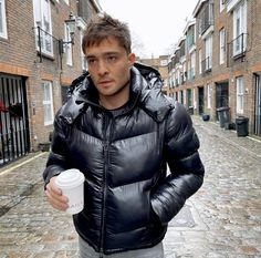 Mens Down Jacket, Ed Westwick, Gossip Girl, Winter Jackets, Menswear, Street Style, Mens Fashion, Face, Clothes