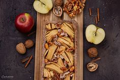 REZEPT: Nuss Apfel Tarte mit karamellisierten Mandeln Almond, Sweet Treats, Vegetables, Quiches, Food, Tarts, Fried Apples, Sheet Cakes, Seafood Restaurant