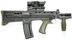 a true lemon of a gun. i want this to tinker with. i would turn this into a masterpiece. Enfield and assault rifle, carbine (Great Britain) Zombie Guns, Light Machine Gun, Guns Dont Kill People, British Armed Forces, Battle Rifle, Mens Toys, Submachine Gun, Personal Defense, Cool Guns