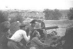 Spain - 1937. - GC - Assault Guards manning heavy machine gun Belchite.