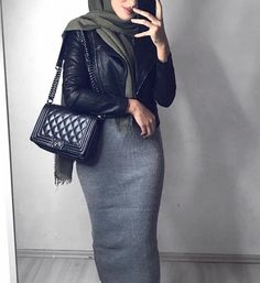 Hey Sweetie Visit our Website and enjoy with our Beauty Quizzes ! Street Hijab Fashion, Abaya Fashion, Muslim Fashion, Modest Fashion, Maxi Outfits, Hijab Outfit, Modest Outfits, Fashion Outfits, Hijab Elegante