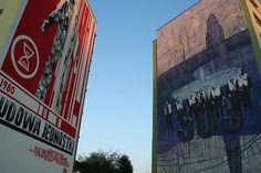Budowa Jednostki / Building an entity  Mural namalowany w 2010 roku na 30-lecie Solidarności.