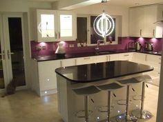 That light fixture White Gloss Kitchen, Purple Kitchen, Kitchen Colors, Cream Kitchens, Home Kitchens, Kitchen Family Rooms, New Kitchen, Purple Houses, Kitchen Interior