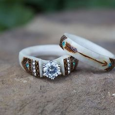 Hand carved antler ring set featuring a CZ in a sterling silver setting. Western Wedding Rings, Western Rings, Western Jewelry, Viking Wedding, Country Rings, Country Jewelry, Country Promise Rings, Cute Jewelry, Jewelry Accessories