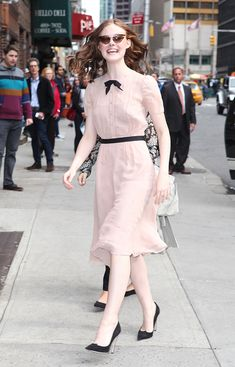 Elle Fanning shows us how to wear pink in an incredibly fashionable way.