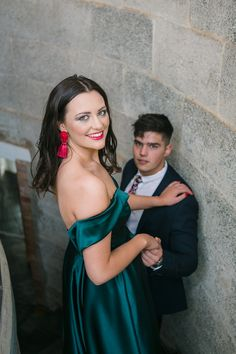 Dust and Dreams Photography _ Couples shoot Dream Photography, Photography Couples, Sea Holly, Emerald Green Dresses, Young Love, Bridesmaid Dresses, Wedding Dresses, Couple Shoot, Engagement Shoots