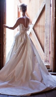 Gorgeous Bride and barn!