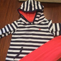 Hooded set 9 mo. Hooded set. Adorable pants with button detail Other