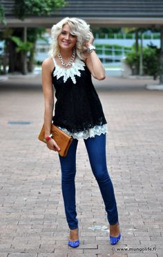 Black, white and blue outfit