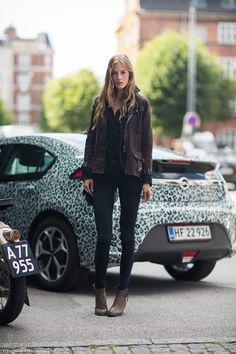 love the jacket and booties, And that car in a back <3 #lepordprint #winterwear #love