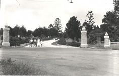 This image, dating from 1932, shows a family posing in front of the park's main gates.