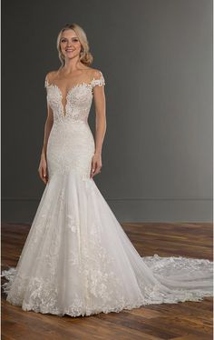 Backless Fit-and-Flare Wedding Dress with Cathedral Train – Martina Liana Backless Fit-and-Flare Brautkleid mit Kathedrale Zug – Martina Liana Fit And Flare Wedding Dress, Dream Wedding Dresses, Designer Wedding Dresses, Bridal Dresses, Wedding Gowns, Lace Wedding, Mermaid Wedding, Elegant Wedding, Lace Bridal