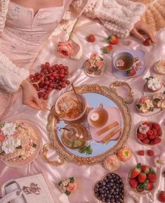 Aesthetic Food, Pink Aesthetic, Aesthetic Outfit, Tara Milk Tea, Honey Sticks, Images Esthétiques, Picnic Date, Summer Picnic, Princess Aesthetic
