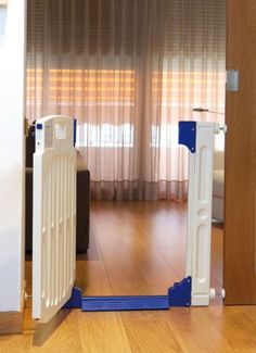 Olmitos 7810 - Puerta de seguridad, color blanco y azul