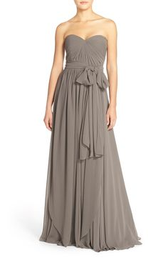 Gorgeous dress to wear to a wedding or have the bridesmaids wear.