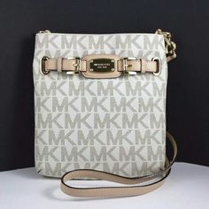 NWT Michael kors Hamilton✨ price only for MER New with tags authentic Michael kors bag! Price is for MER only! Sorry can not afford posh fees  Michael Kors Bags Crossbody Bags