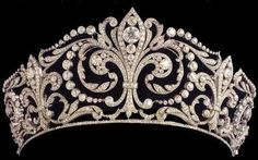 The fleur de lys tiara of the Royal house of Spain