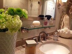 Master bathroo - http://yourshabbychicdecorideas.com/?p=1761 - #home_decor_ideas #home_decor #home_ideas #home_decorating #bedroom #living_room #kitchen #bathroom #pantry_ideas #floor #furniture #vintage #shabby