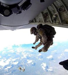H.A.L.O. Jump! With style! #USArmy #USMilitary