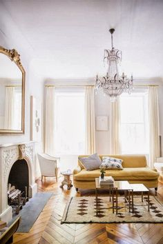 Ali-Cayne-NYC-townhouse-home-Greenwich-Village-yellow-sofa-couch - Home Decorating Trends - Homedit Style At Home, Lounge Design, Floor Design, Home Design, Living Room Inspiration, Home Decor Inspiration, Garden Inspiration, Style Inspiration, Home Living Room