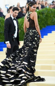 See Every Met Gala 2017 Gown From the Back - Halle Berry in Versace