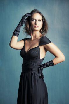 Convertible black dress. Vestido convertible negro www.rojocarmesi.com #blackdress #vestidonegro #perfectdress