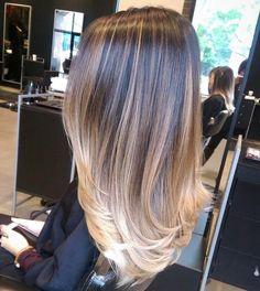 Stunning 😍 Dimensional balayage by Love Hair, Great Hair, Gorgeous Hair, Balayage Hair, Ombre Hair, Dark Balayage, Short Balayage, Brown Blonde Hair, Hair Color And Cut
