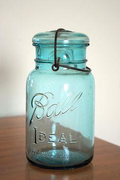 Robbin/'s Egg Blue Jar 2 Bathroom Accessories Jewelry Porcelain Lidded Jar Q-Tips Cotton Balls