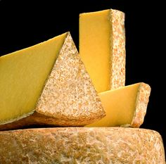 Fromage Aop, Fromage Cheese, Queso Cheese, Kinds Of Cheese, Milk And Cheese, Wine Cheese, Simple Green Salad, French Cheese, Cheese Shop