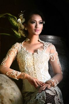 Kebaya Modern Indonesia 2012_1