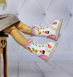 79018e70800e Blythe leather shoes with hand-painted cakes This hand painted boots are  made from genuine