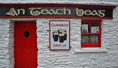 An Teach Beag - The Small House - Traditional Irish Pub in County Clare